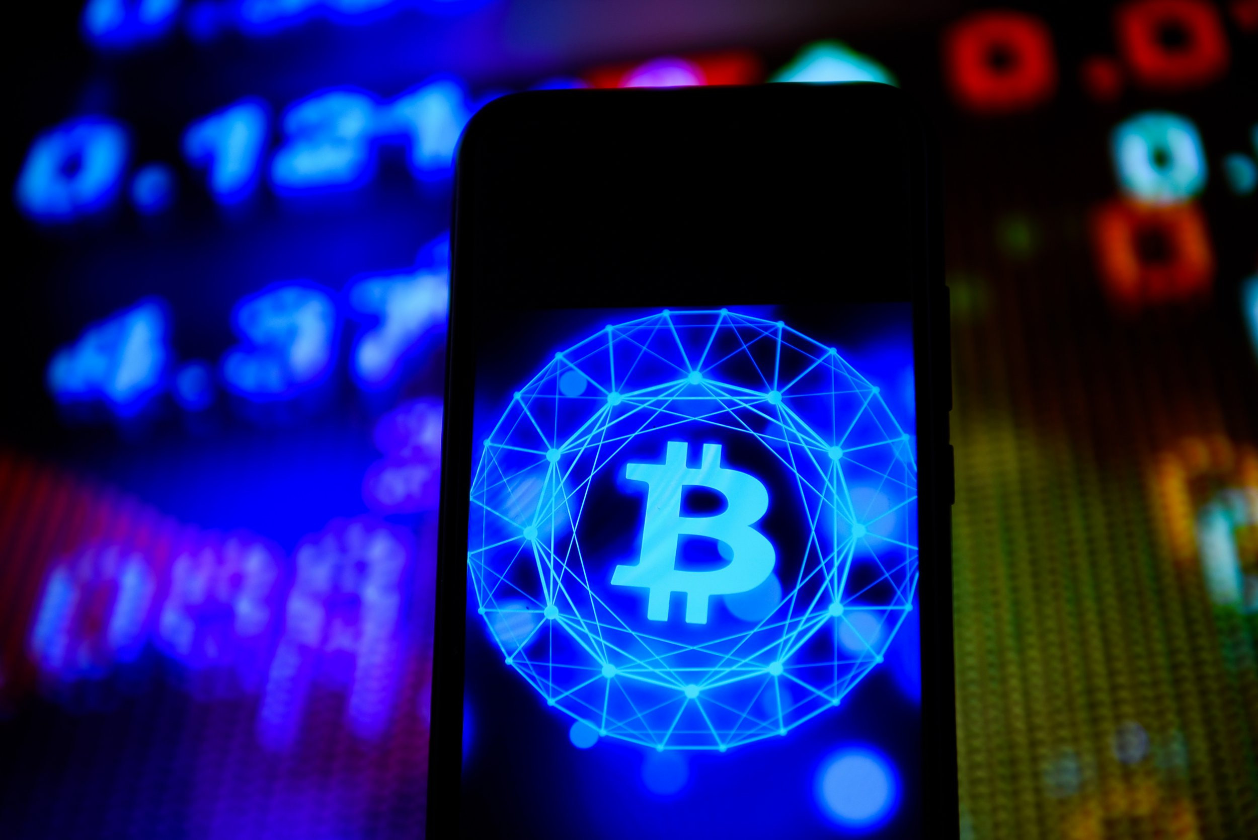 paypal will start letting users buy and sell bitcoin